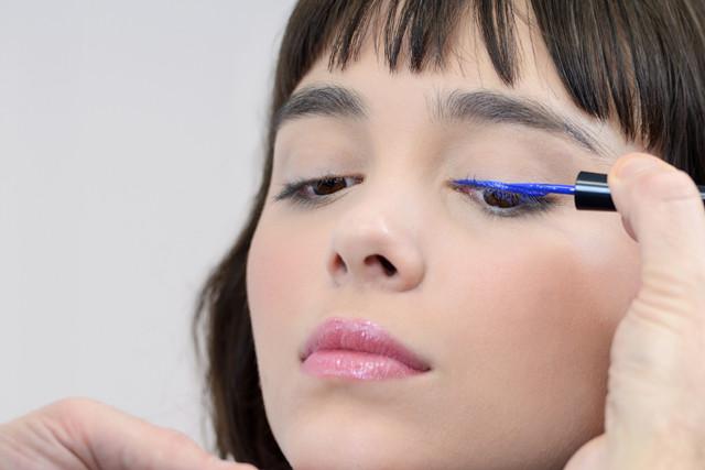 Applicazione Eyeliner - crediti foto Pupa