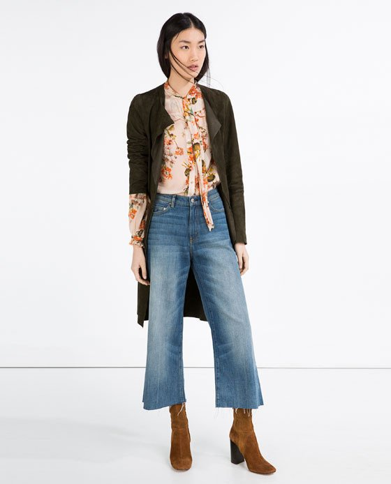 Jeans a campana vita alta (Zara)
