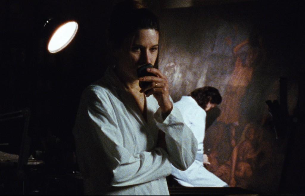Elena (Valentina Cervi).
