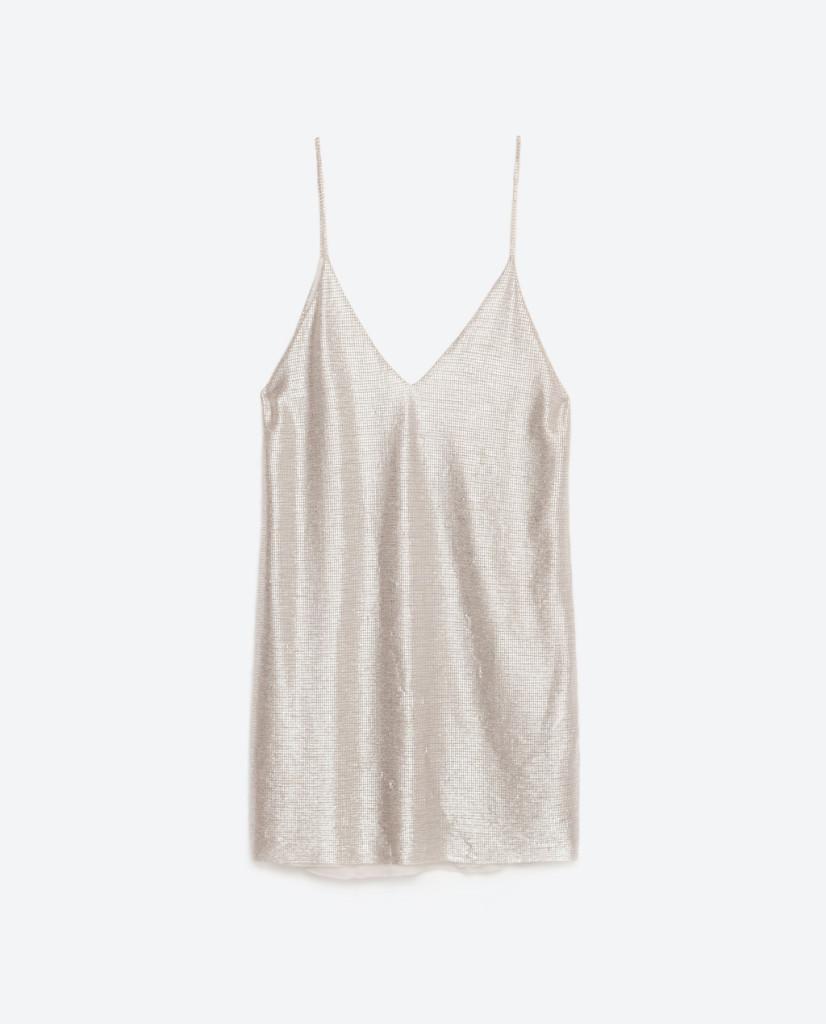 L'argento è uno dei colori da tenere d'occhio per la P/E 2016. Abito Zara.