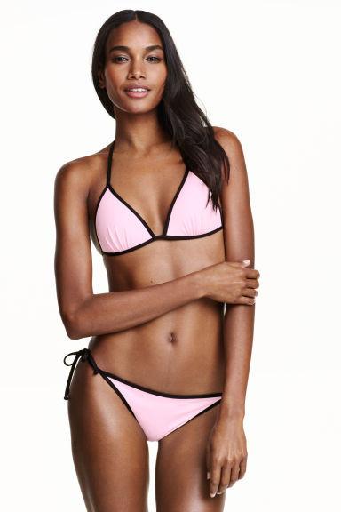 Back to basic per questo modello rosa e nero firmato H&M