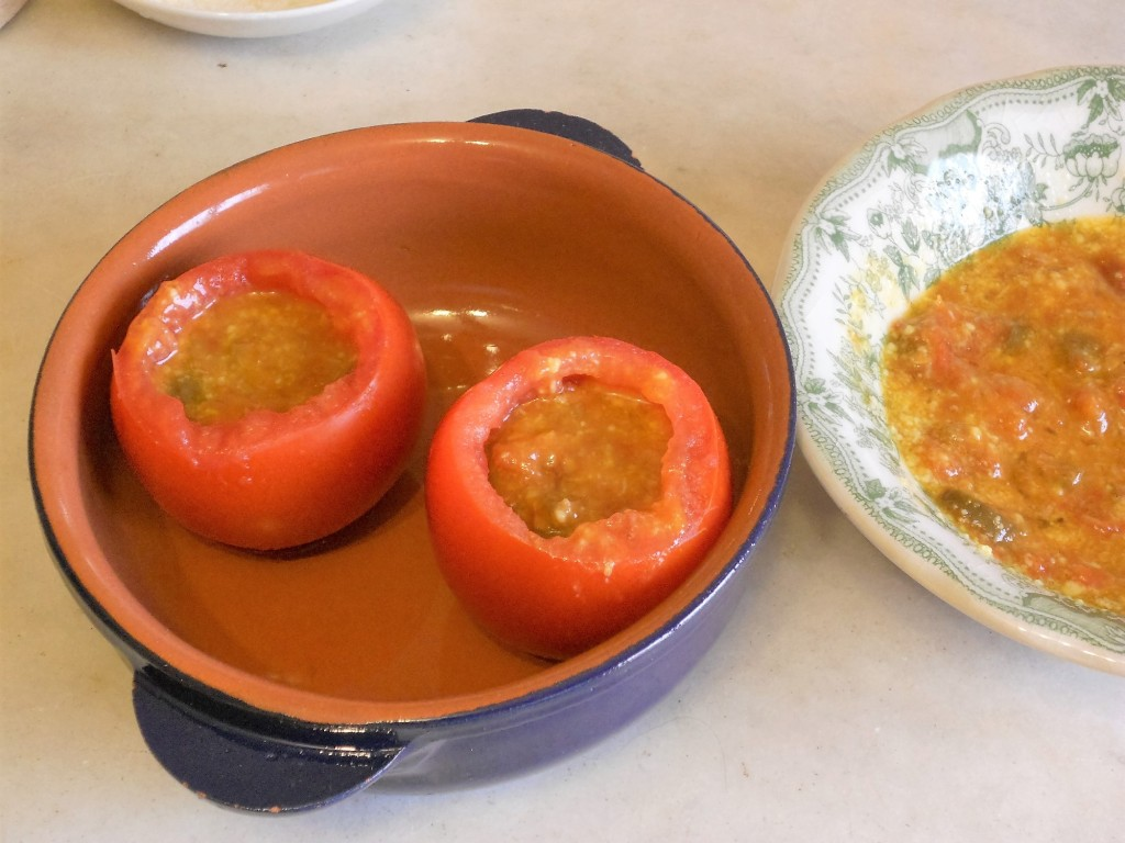 Pomodori ripieni di pomodori