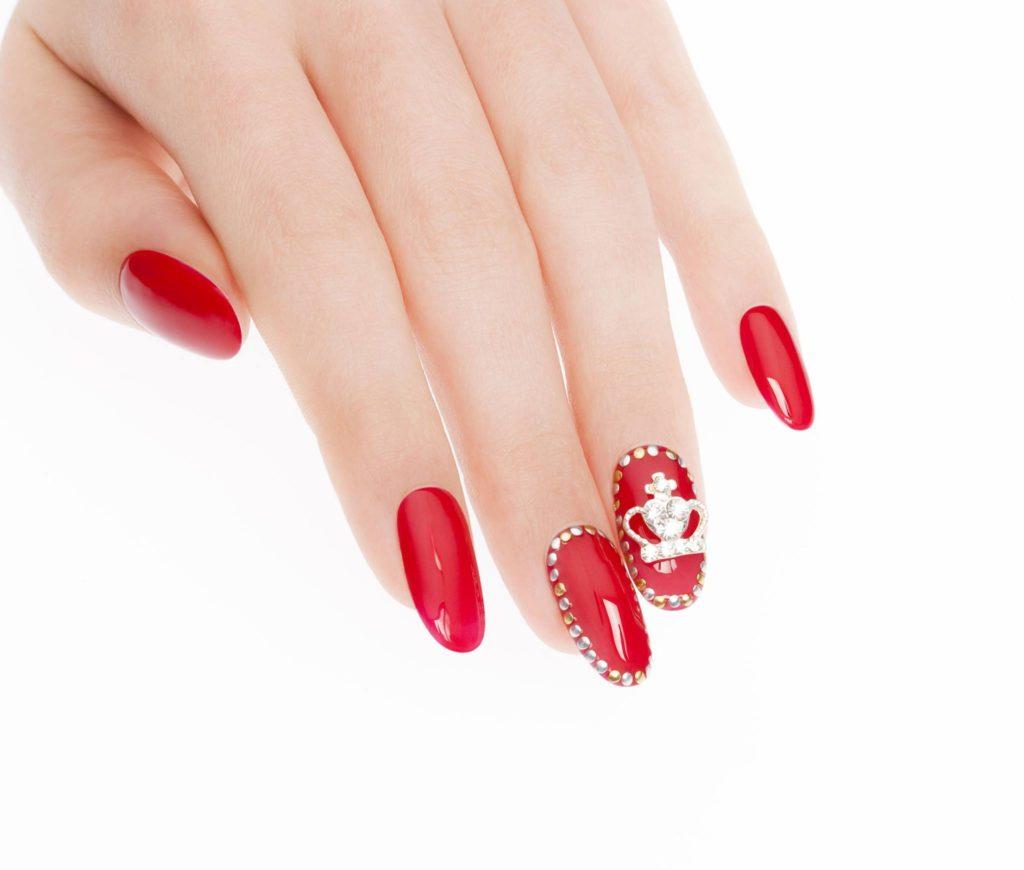 Il rosso è uno dei colori di tendenza per l'Estate 2016| crediti Estrosa smalti.