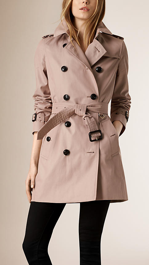 Trench by Burberry 1.695 euro.
