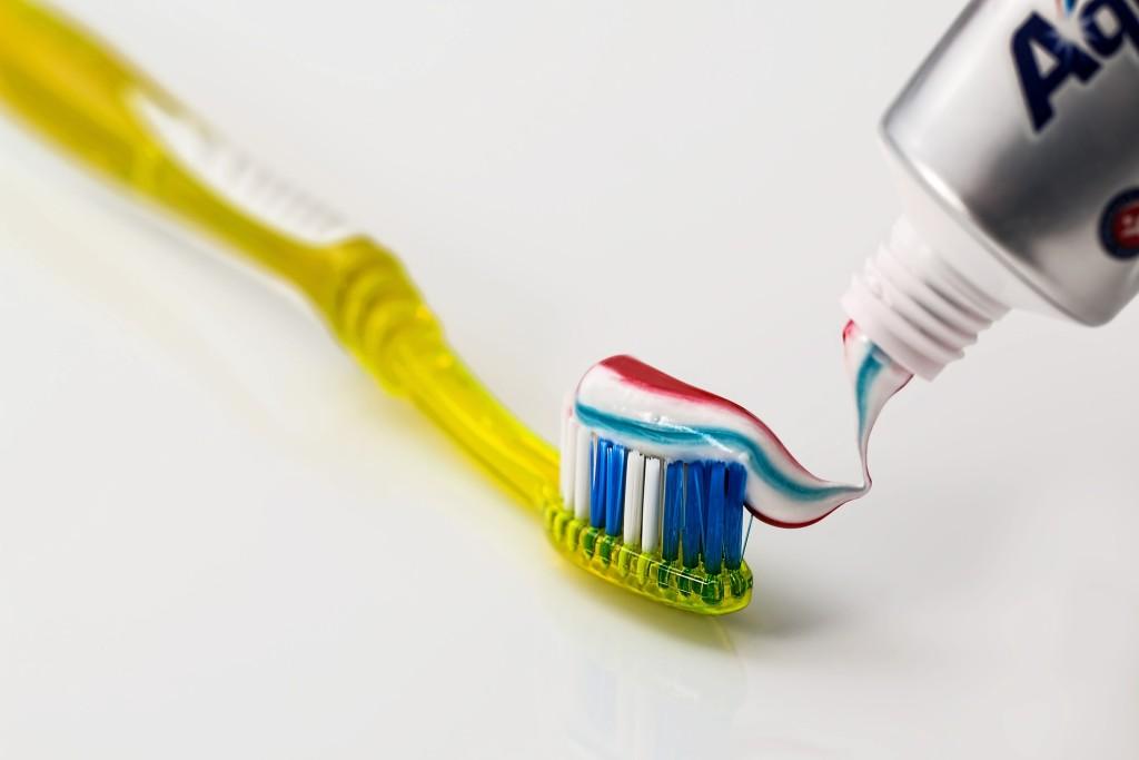 Come pulire i denti