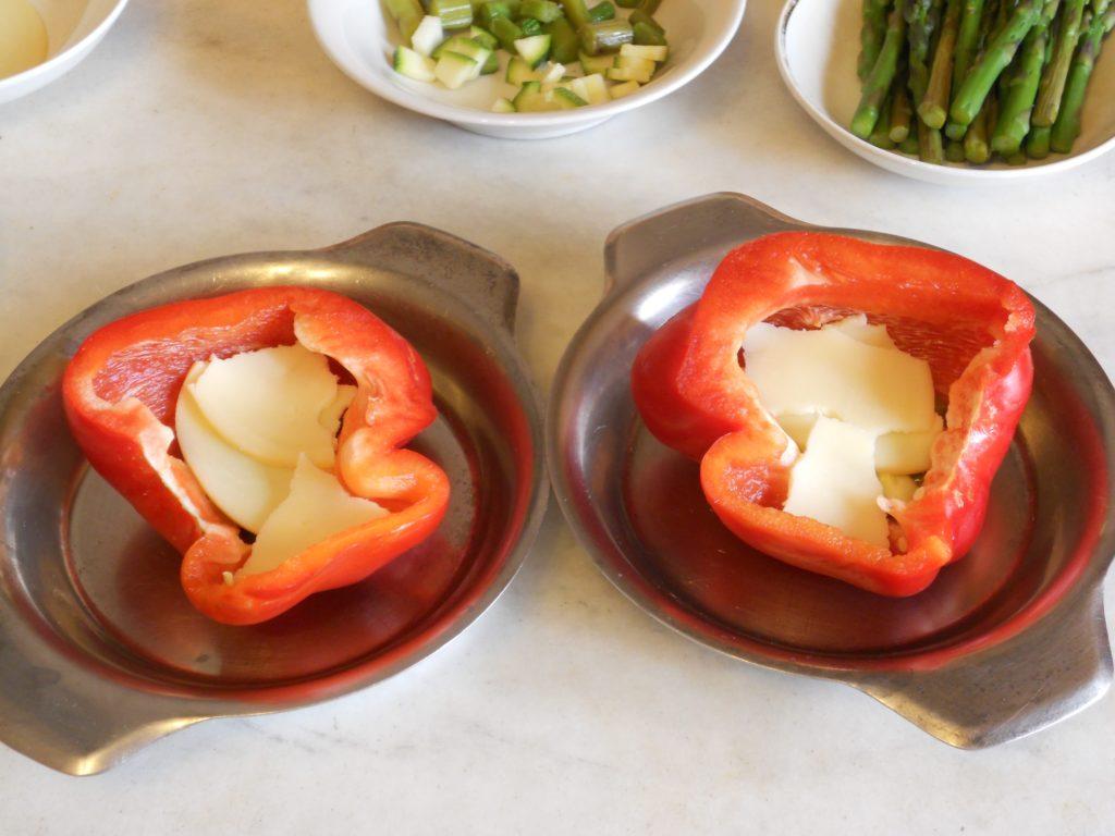 uova e asparagi nel peperone 4
