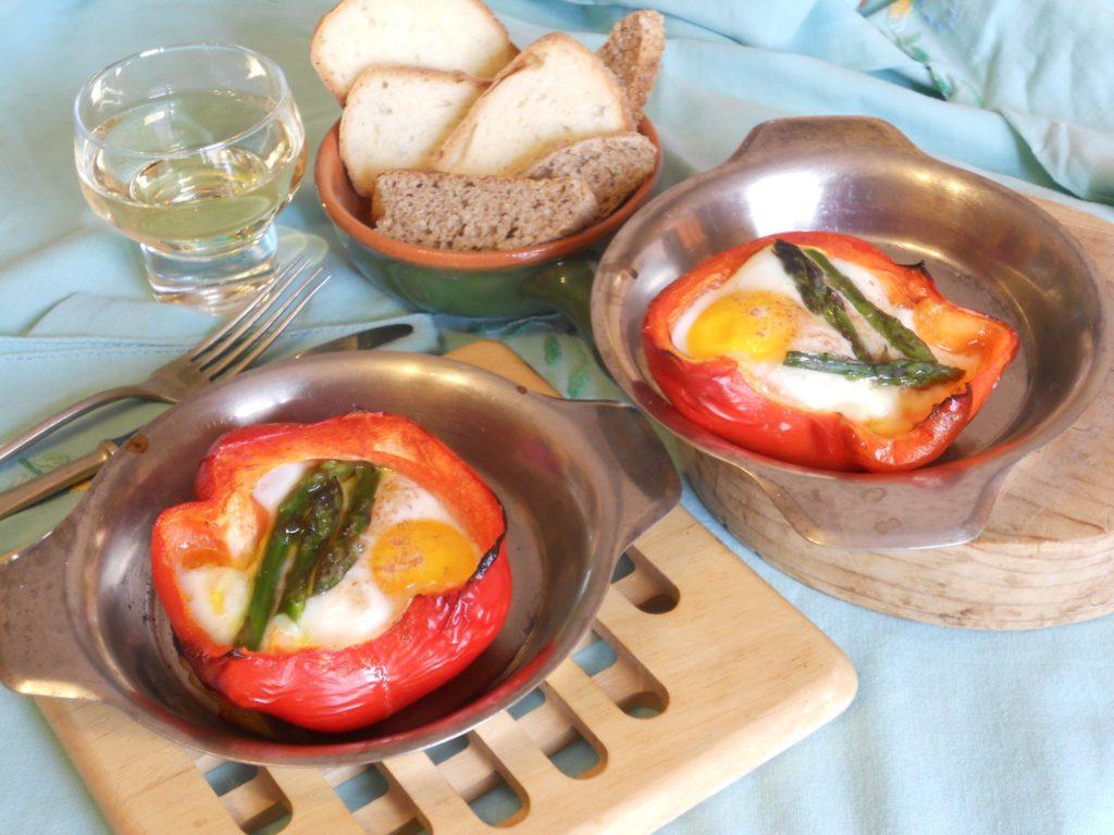 uova e asparagi nel peperone 8