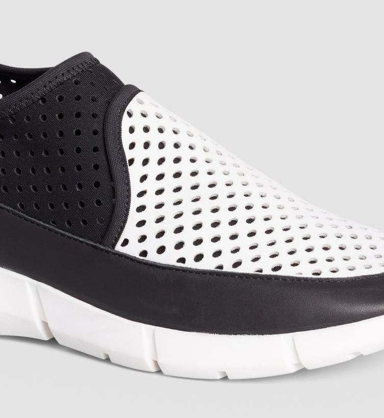 Calvin Klein sneakers Winona color platinum e bianco