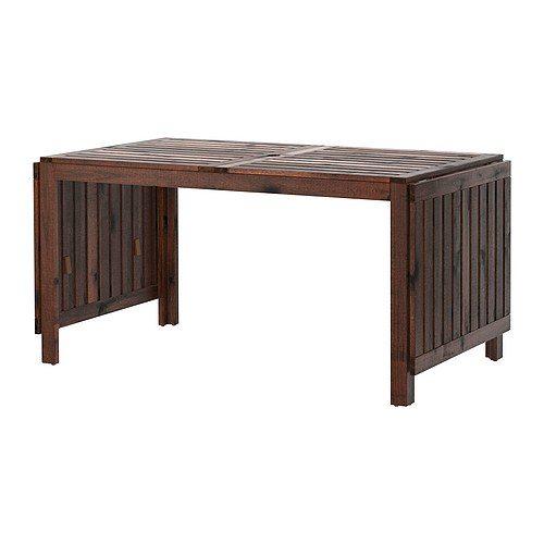 Grazie alle ribalte facili da piegare e togliere si può velocemente adattare la misura del tavolo alle diverse esigenze