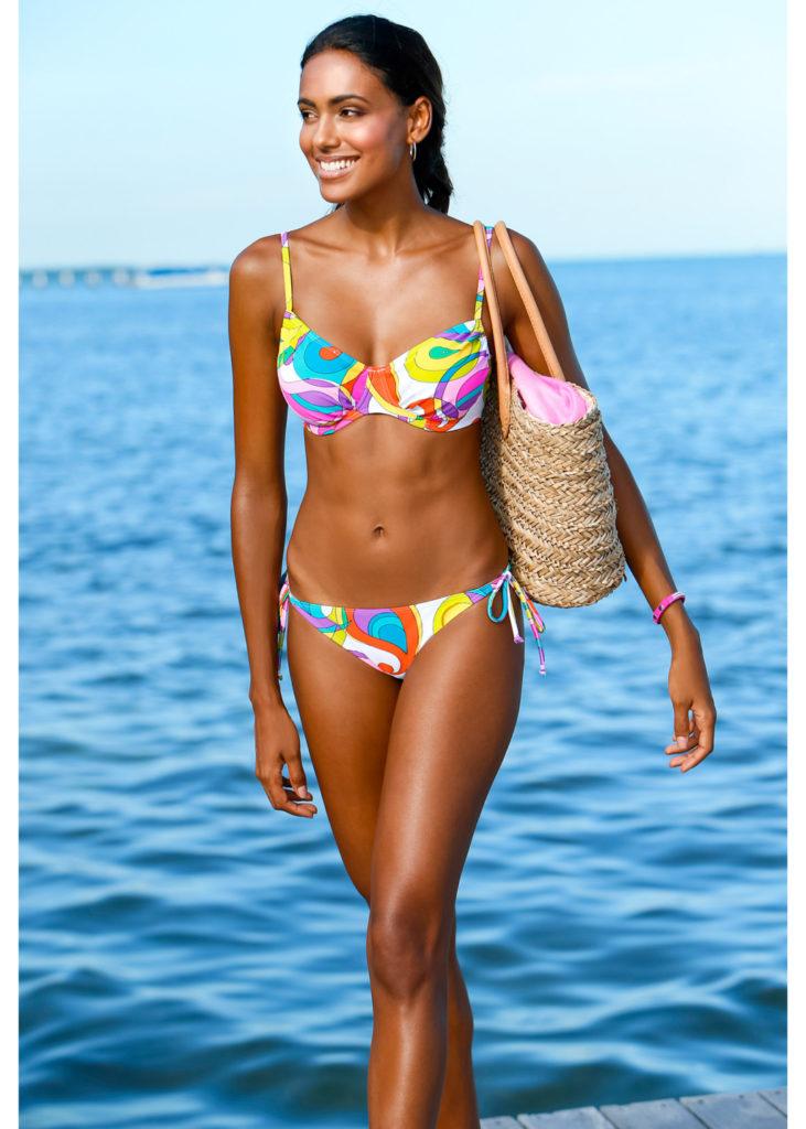 Bikini con ferretto 21,99 euro by Bonprix.