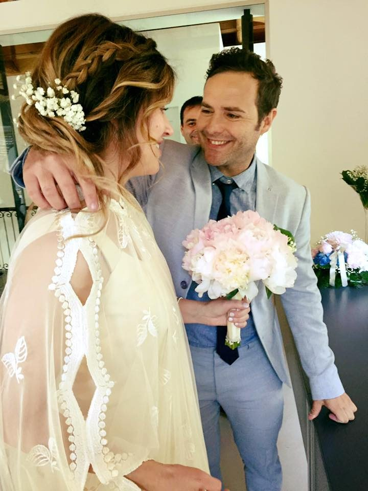 Paolo Meneguzzi ha sposato la sua compagna Linda lo scorso Maggio, dopo diversi anni di fidanzamento.