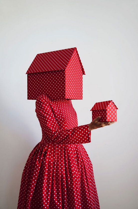 Guda Kostner, Red With White Dots