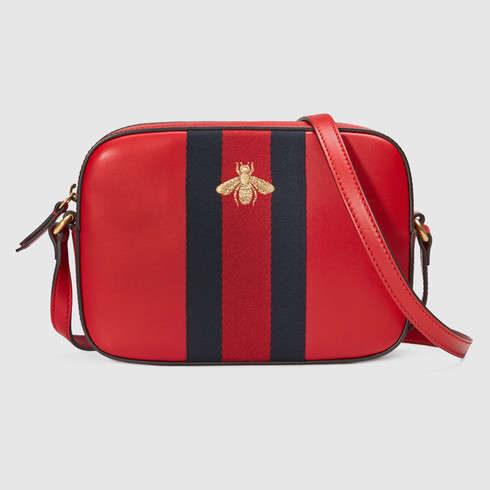 Gucci, borsa a tracolla in pelle rossa con fascia verde e rossa