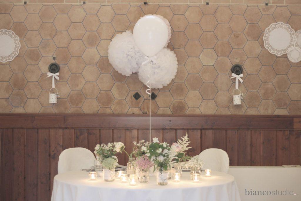 Decorazione palloncino molto eleganti per matrimonio - foto bianco studio