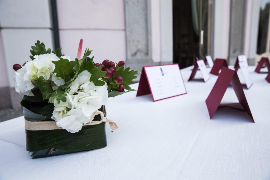 Composizione Sushi bianco verde e marsala foto Lisa Boccaccio