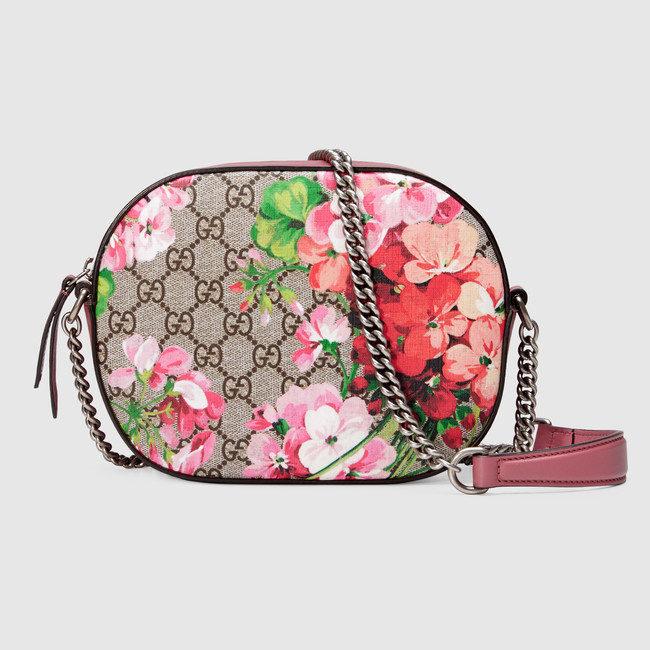 Gucci, borsa a tracolla stampa Bloom GG Supreme con catenina