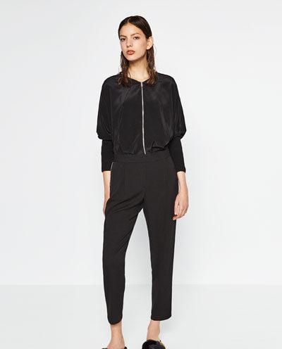 Pantaloni sarouel by Zara.