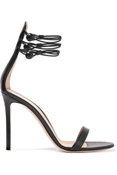 Sandali alti con motivo decorativo alla caviglia by Gianvito Rossi.