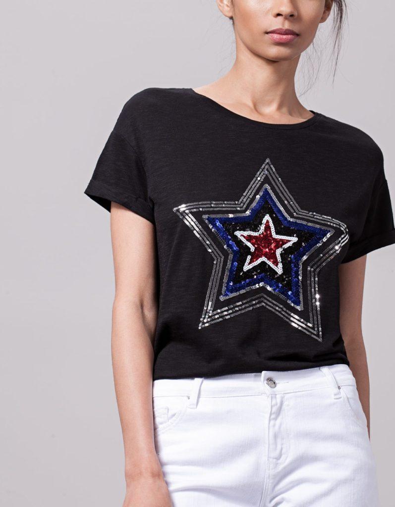 T-shirt con stella di paillettes by Stradivarius.