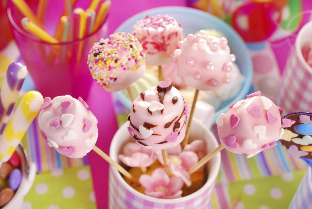Centrotavola di dolci, piacerà a grandi e piccini.