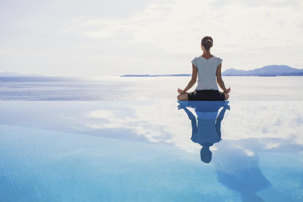 La meditazione yoga anche chiamata Dhyana.