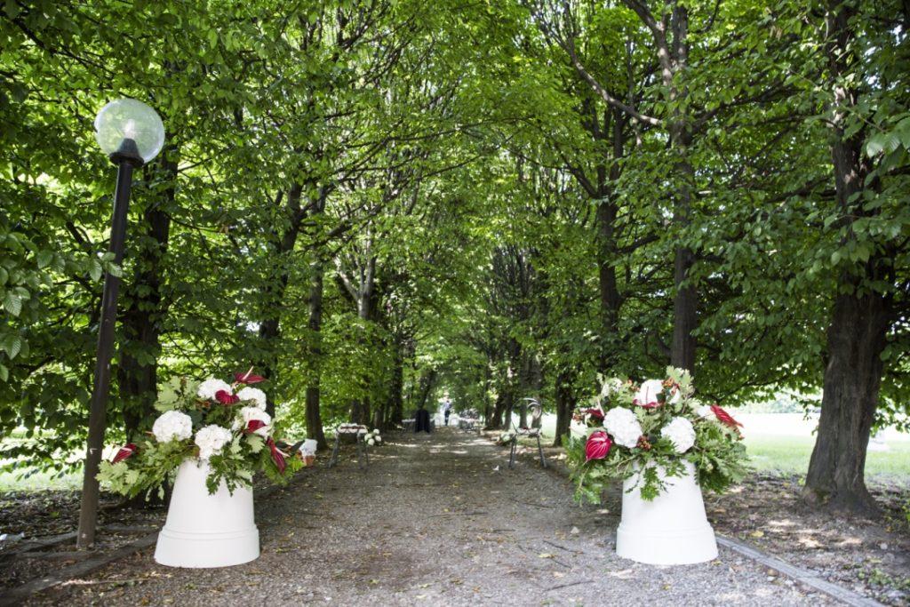 allestimento per viale Cerimonia Villa Borromeo foto di Lisa Boccaccio
