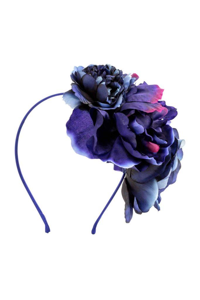 Cappello da cerimonia con piume by H&M.