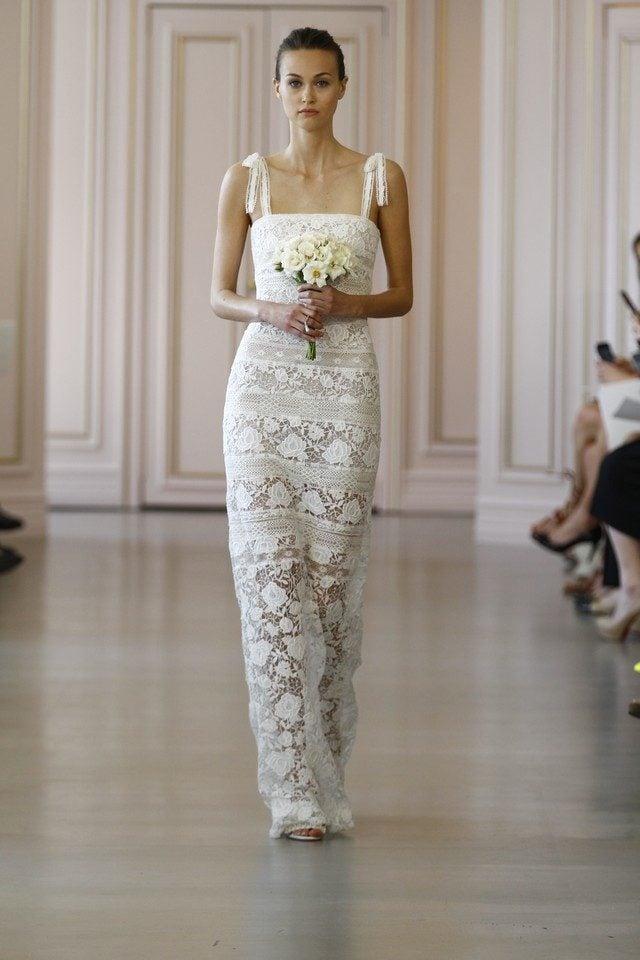 5f2ba3503894 Collezione NEW YORK BRIDAL 2016 di OSCAR DE LA RENTA. Abito a balze da sposa  ...