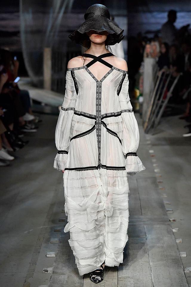 London Fashion Week settembre 2016: la collezione Erdem SS 2017.