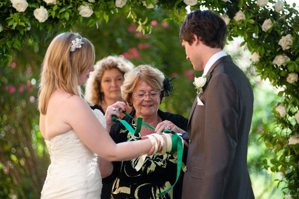 Matrimonio Civile con rito handfasting - nastri foto di framelines fotografo