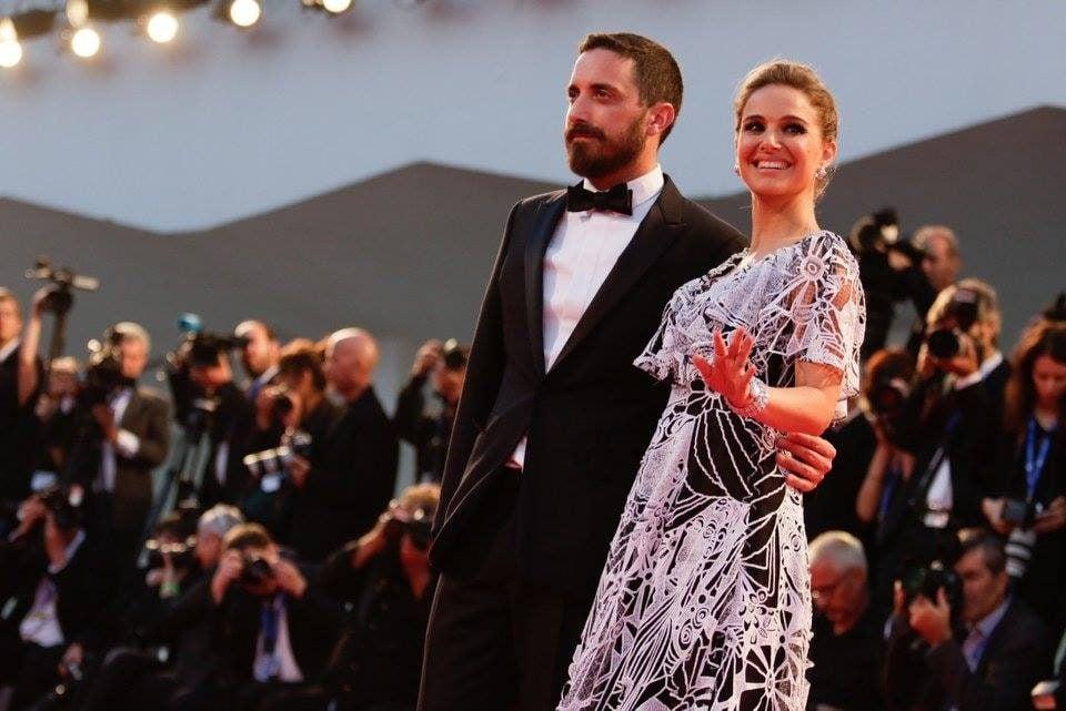 Natalie Portman con una creazione di Valentino.