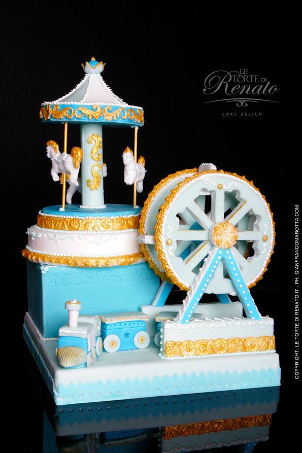 Torta tema giostra con decorazioni azzurro e oro di Torte di Renato