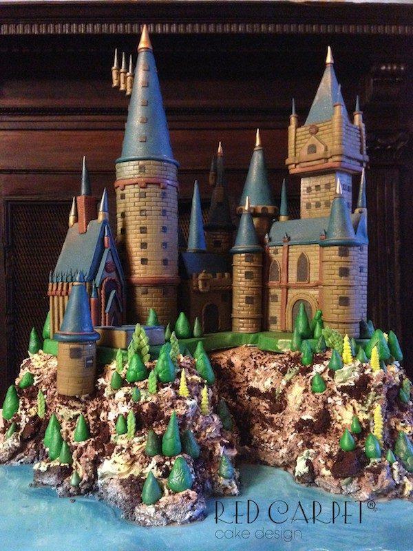 Torta realizzata da Red carpet che ritrae il castello di Harry Potter.