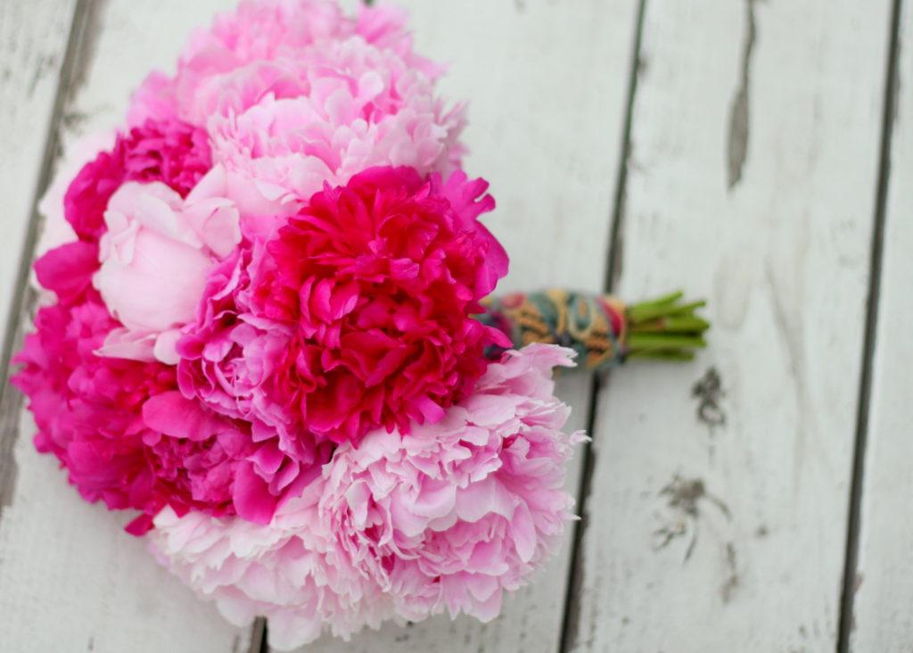Bouquet sposa color Pink Yarrow by floret cadet.