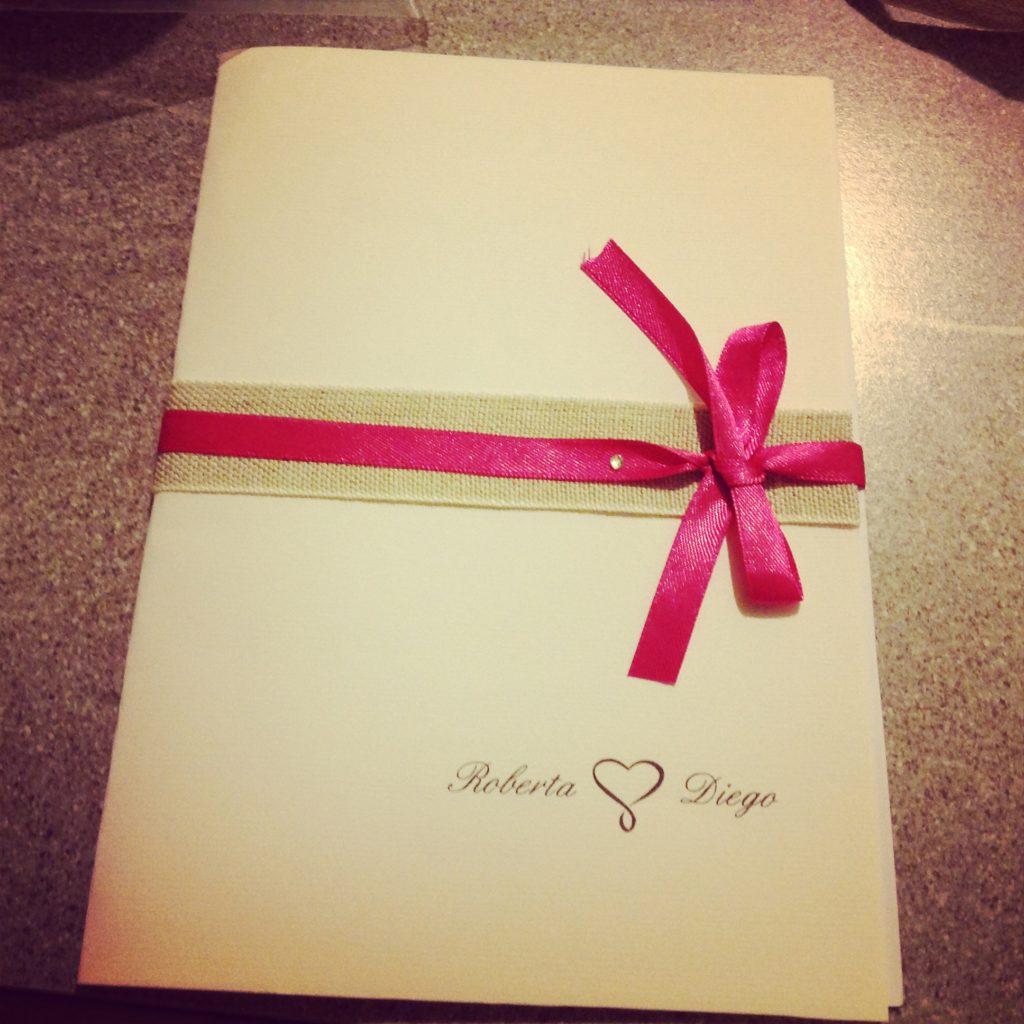 Libretto cerimonia pink Yarrow realizzato da Amiche della Sposa