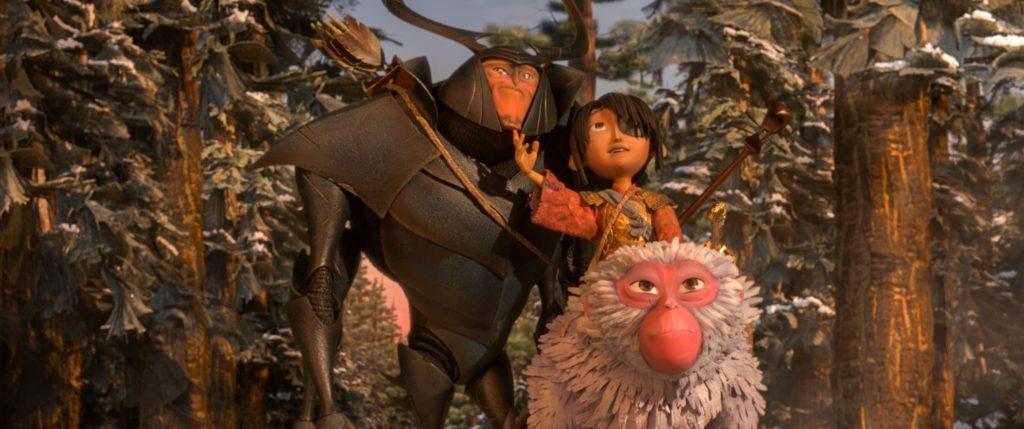 Kubo Scimmia e Scarabeo escono dalla foresta e rimangono incantati dal paesaggio - Laika Studios/Focus Features
