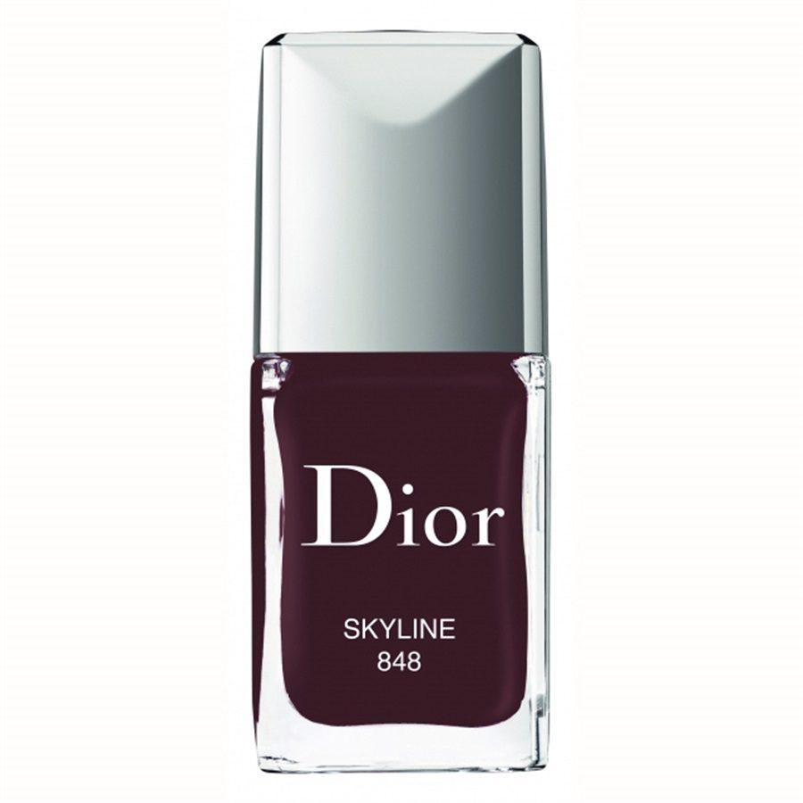 Smalto color prugna Dior