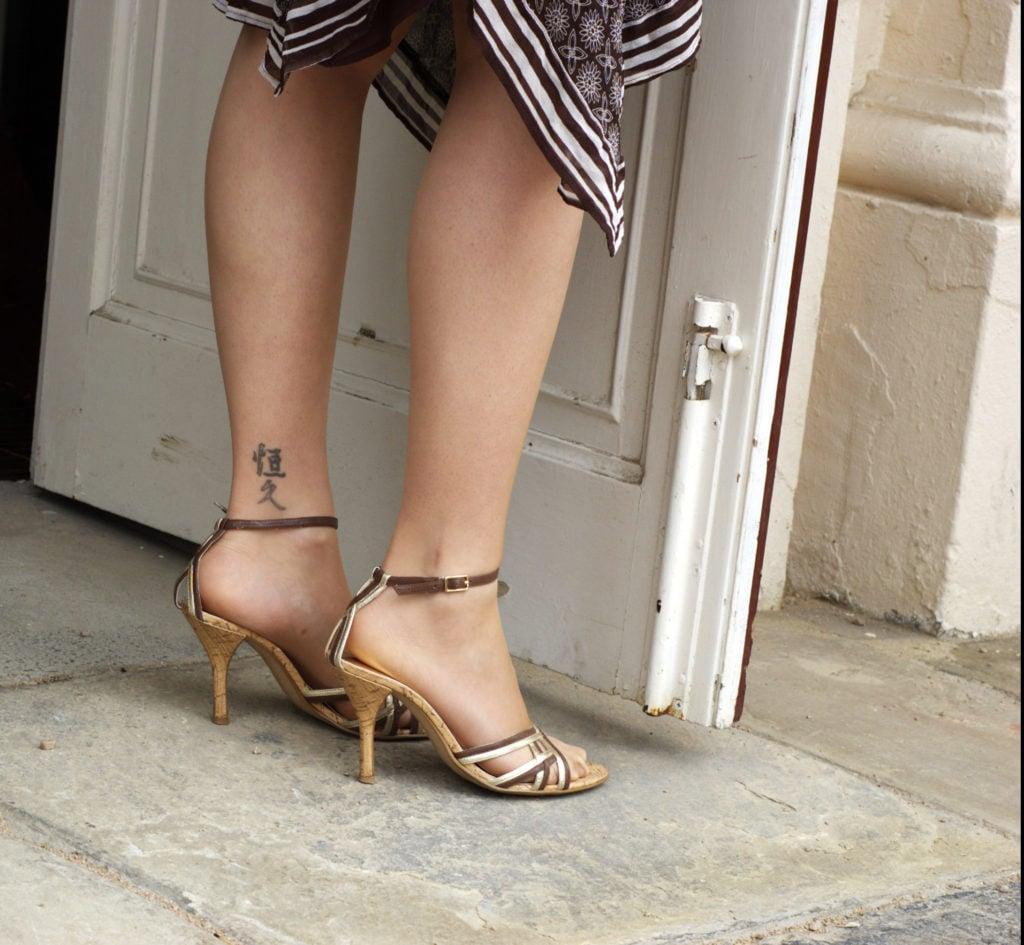 tatuaggio donna caviglia