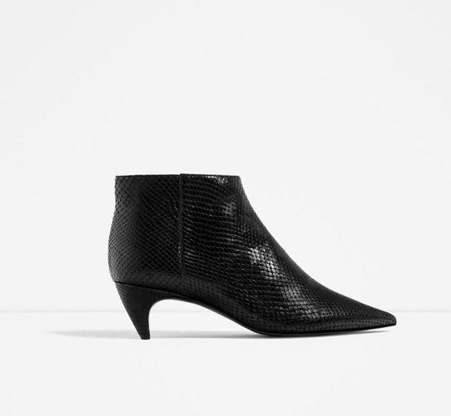 Zara, stivale fino alla caviglia in pelle stampata