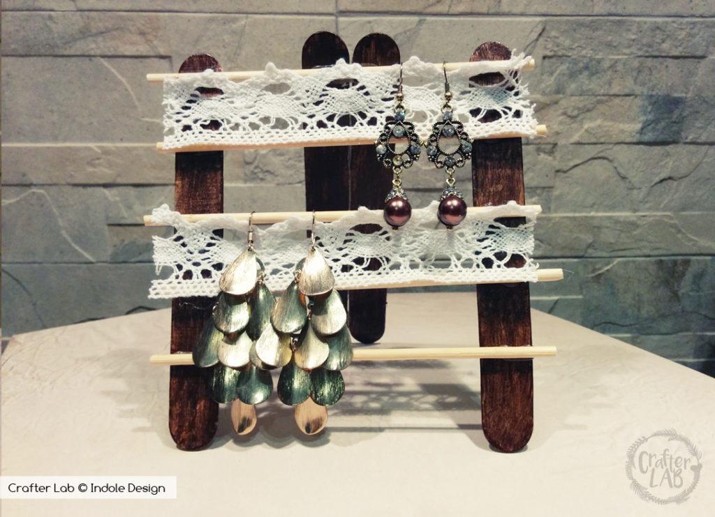 Porta orecchini fai da te con bastoncini di legno unadonna - Portaorecchini fai da te ...