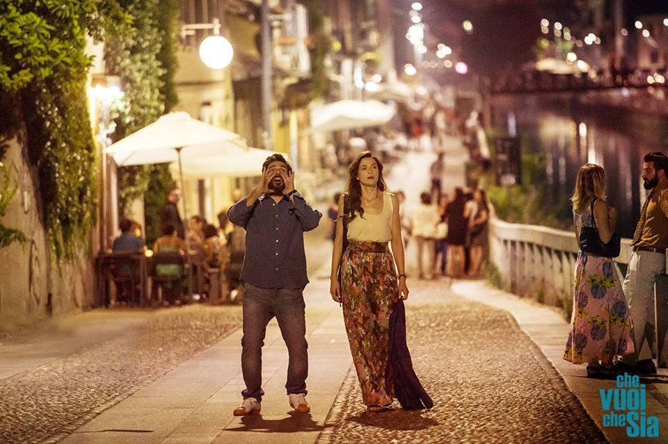 Anna e Claudio ubriachi in Che vuoi che sia.