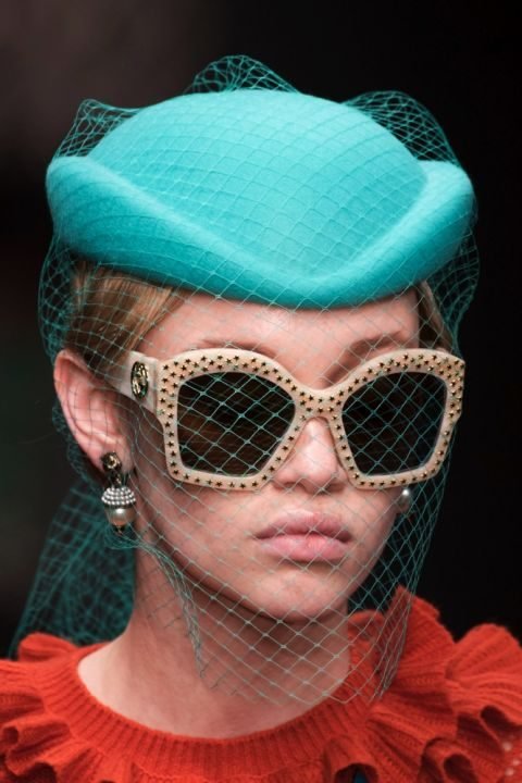 Cappello con veletta Gucci