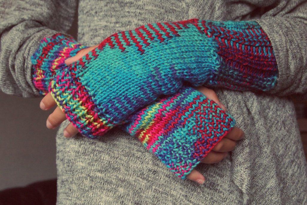 Guanti senza dora in lana colorata
