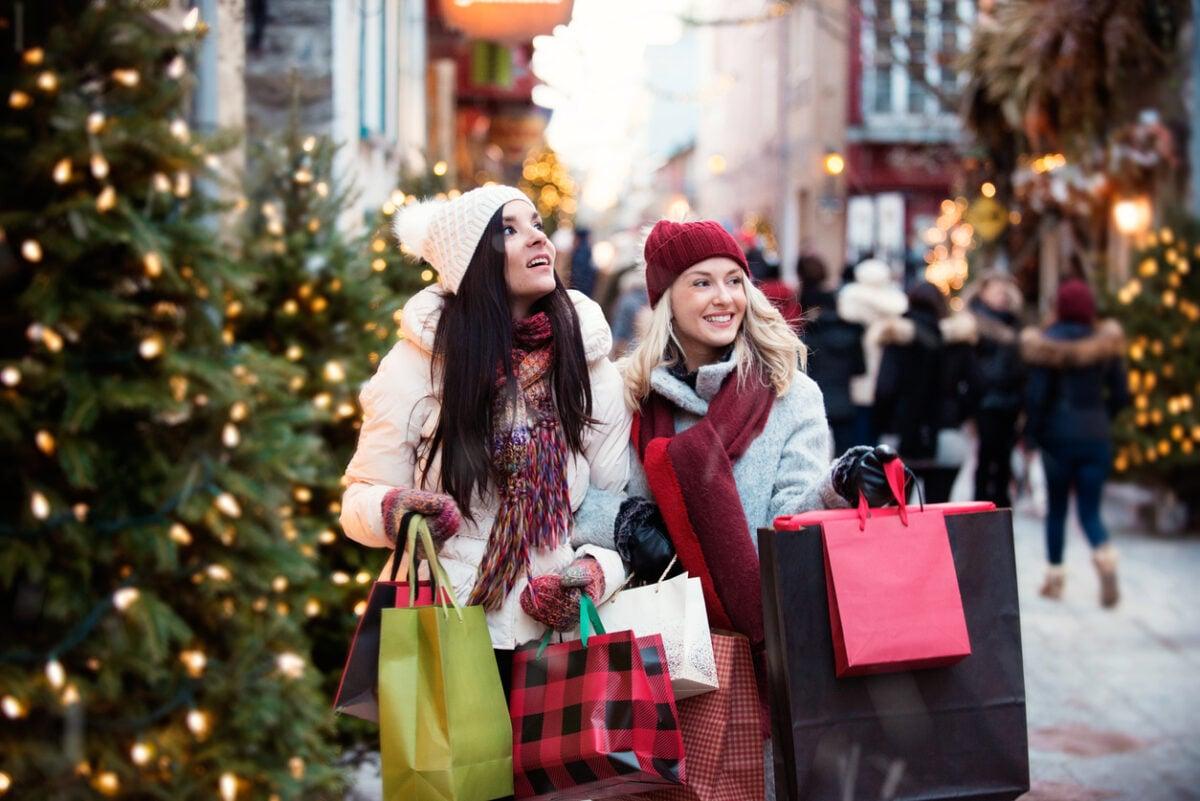 Passeggiata natalizia alla ricerca di idee regalo