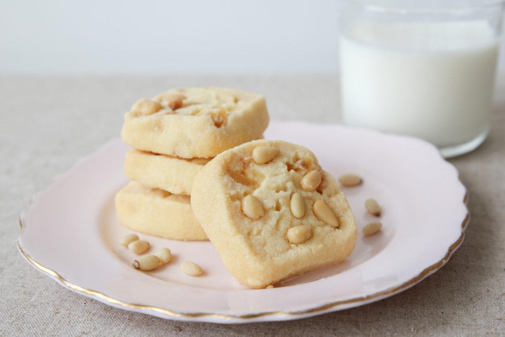 Biscotti ai pinoli fatti in casa