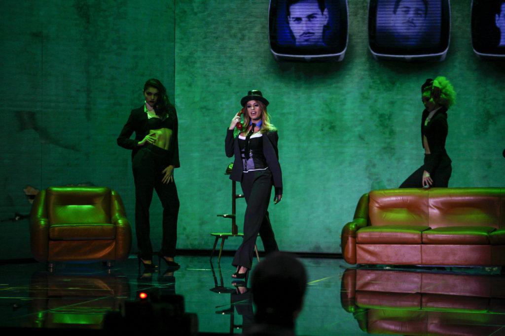Chiara Nasti sul palco del terzo episodio di Dance Dance Dance