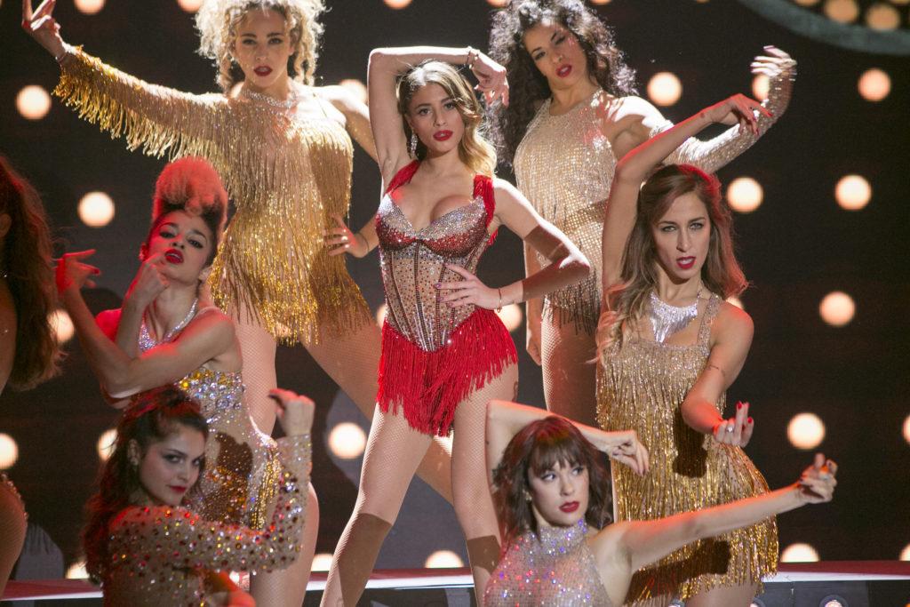 Chiara Nasti sul palco di Dance Dance Dance ballando Christina Aguilera