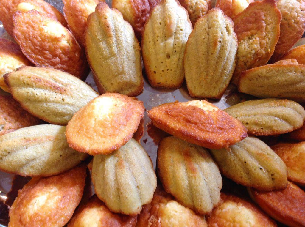 Le madeleines sono dolcetti soffici come plum cake tipici di Commercy