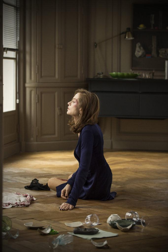 Isabelle Huppert in ELLE di Paul Verhoeven