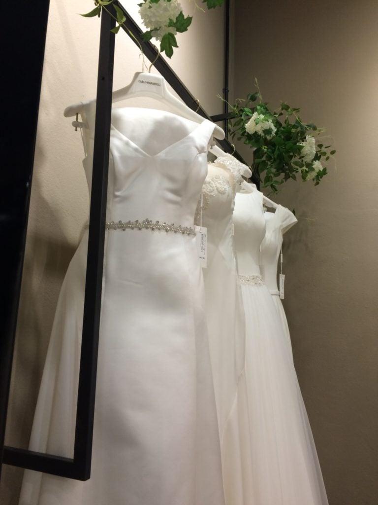Abiti da Sposa della collezione Fiorinda con dettagli gioiello